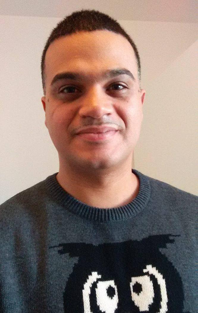 Efrain DeJesus Sprachassistent Der Kreisel kreativzentrum Sprachenlernen Englisch Spanisch für Kinder Englischkurs Spanischkurs